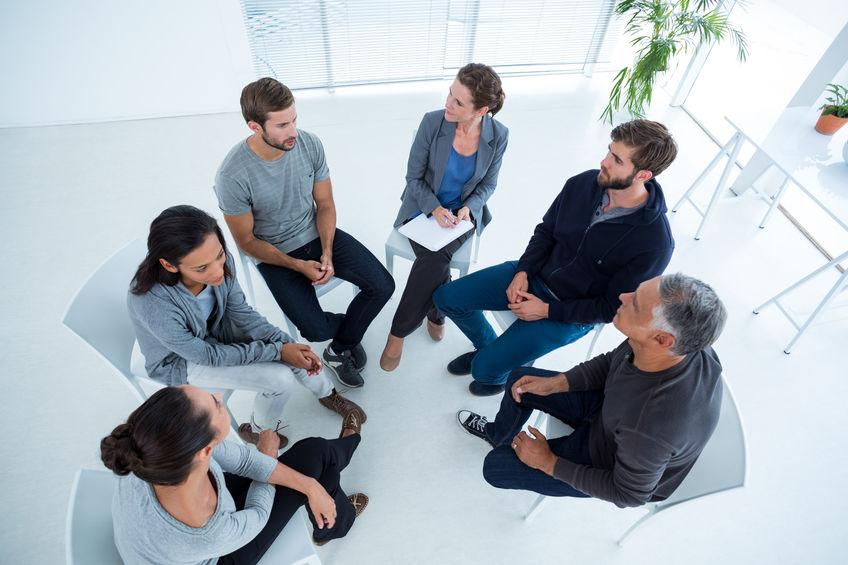 un groupe en psychothérapie dans notre cabinet de psychologue à Villeneuve d'Ascq, dans la métropole de Lille
